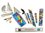 筆記用具(三角定規セット、ボールペン、鉛筆、消しゴム、色鉛筆、定規)