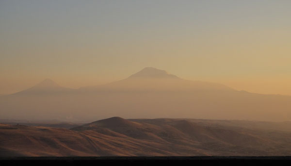 アララト山(新免光比呂 撮影)