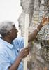 彫刻家エル・アナツイが語るアフリカの歴史と行く末